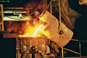 cast-iron-pour